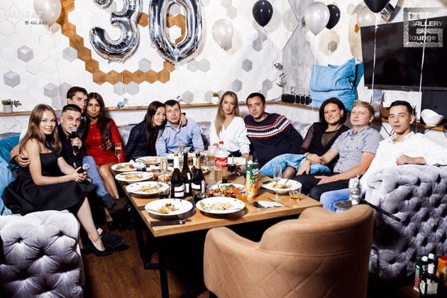 1st Gallery Lounge на ул. Меридианной в Казани. Лаунж с офигенной кухней